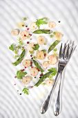 picture of norway lobster  - Presentation of a second dish of shrimp and asparagus tips - JPG