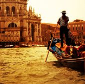 picture of gondolier  - Traditional Venice gandola ride - JPG