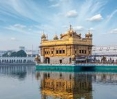 pic of sikh  - Sikh gurdwara Golden Temple  - JPG