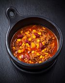 Hot cilli con carne cooked in the pan