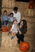 LOS ANGELES - OCT 4:  Ali Landry, Family at the RISE of the Jack O'Lanterns at Descanso Gardens on O