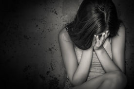 pic of cry  - Black and white grunge image of a beautiful teenage girl sitting on the floor crying - JPG