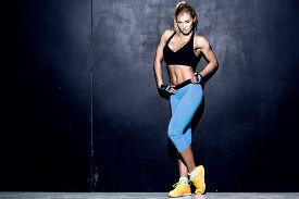 foto of slim model  - attractive fitness woman - JPG