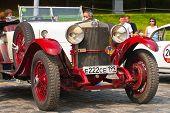 Red-withe Alfa Romeo 24hp