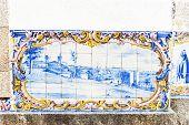 ladrilhos (azulejos) na estação de trem de Duas Igrejas, Portugal