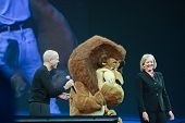 Las Vegas, Nv - June 5, 2012: Hp Ceo Meg Whitman And Dreamworks Ceo Jeffrey Katzenberg Deliver An Ad