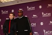 LAS VEGAS - MAR 7:  Hunter Hayes, Stevie Wonder in the press room at the 2013 Academy of Country Music Awards at the MGM Grand Garden Arena on March 7, 2013 in Las Vegas, NV
