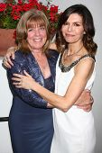 LOS ANGELES - APR 4:  Annie J. Dahlgren, Finola Hughes attends the gala fundraiser for the romantic comedy,