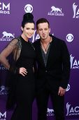 LAS VEGAS - MAR 7: Shawna Thompson, Kiefer-Thompson - Thompson Square kommt in 2013-Akademie-o