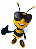 pic of bumble bee  - Fun bee - JPG