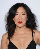 LOS ANGELES - SEP 28:  Sandra Oh arrives to
