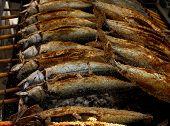 Gegrillter Fisch (Steckerlfisch) auf dem Münchner Oktoberfest