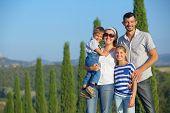 Familia feliz en Toscana