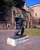Bronze statue of Robin Hood, Nottingham, UK.