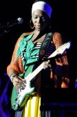 India.arie performing live.