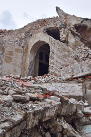 picture of katrina  - Ruins of an old ruined brick house - JPG