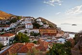 pic of hydra  - Small fishing harbour in the town of Hydra - JPG