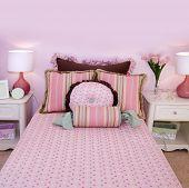 Постер, плакат: Интерьер спальни Розовые девочки
