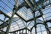 interior Palacio de Cristal Parque del Retiro, en Madrid, España