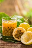 Постер, плакат: Passion Fruit