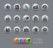 Web 2.0 // Pearly Series -------It includes 5 color versions for each icon in different layers ---------