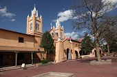 San Felipe de Neri Church na cidade velha em Albuquerque, Novo México construído em 1793