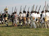 amerikanische Truppen marschieren in den Krieg