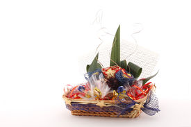picture of gift basket  - gift basket with candies - JPG