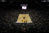 San Antonio Spurs 103 Vs. Golden State Warriors 91, Arena anzeigen