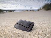 Brieftasche am Strand