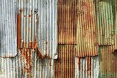 Rusty Wellpappe Metallwand