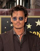 LOS ANGELES - 24 de JUN: Johnny Depp no Jerry Bruckheimer Star sobre o Hollywood Walk of Fame em