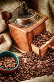 Retro Coffee Grinder With Cup