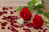 pic of wedding feast  - roses as a gift and surprise to a feast - JPG