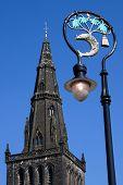Glasgow Catedral Spire e cidade brasão