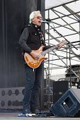 CLARK, NJ - SEPT 17: Guitar player Howard Leese performs with The Paul Rodgers Band at the Union Cou
