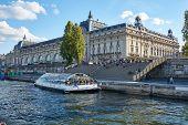 Paris / Ile De France / France / Novembre 2018 : Tourists Gather poster
