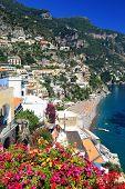 Positano Resort sobre o Amalfi Coast, Itália, Europa
