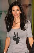 Courteney Cox at the OmniPeace Benefit To Stop Extreme Poverty in Sub-Saharan Africa. Kitson Men, Lo