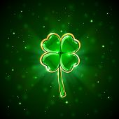 Green shiny clover