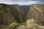 Black Canyon of a Gunnison, no Colorado, EUA. Concentrar-se no canyon
