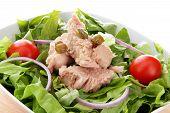 tuna salad whit tomato end capers