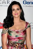 LOS ANGELES - 16.11.2009: Katy Perry kommt für 11th Annual Celebration of Dreams im Bacara Resort