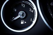 foto of fuel economy  - Close - JPG