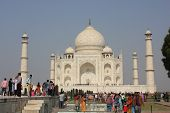 The Taj Mahal through people