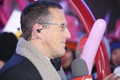 CNN's Richard Quest interviews revelers