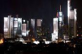 Frankfurter Skyline beleuchtet