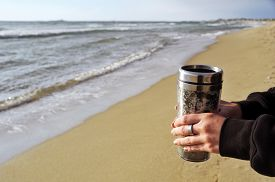 pic of thermos  - Woman - JPG