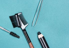 foto of eyebrows  - Accessories for care of brows - JPG