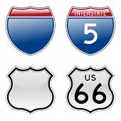 Interestatal y signos nos Route 66 con efecto brillante